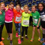fröhliche Sprinterinnen